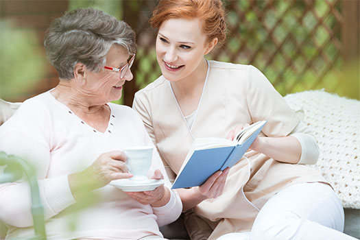 How to Communicate Well with an Aging Adult Who Has Alzheimer's